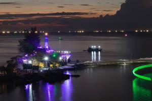 Song Phu quoc ve dem